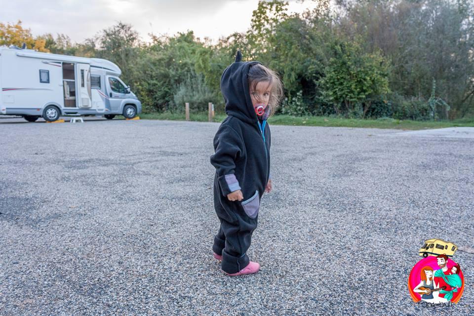 bebe voyage en camping car
