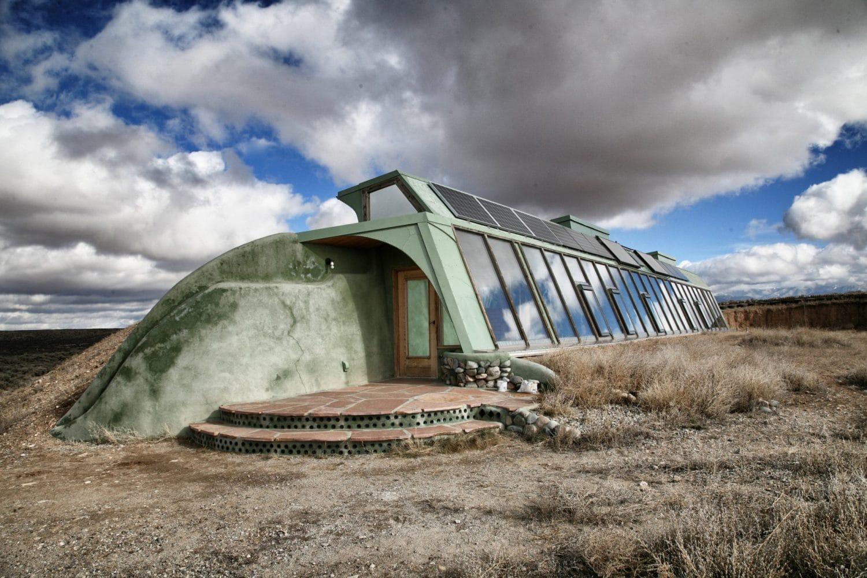 earthship maison ecologique serre1