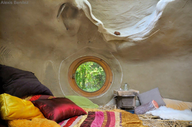 intérieur maison écologique autoconstruite Kerterre