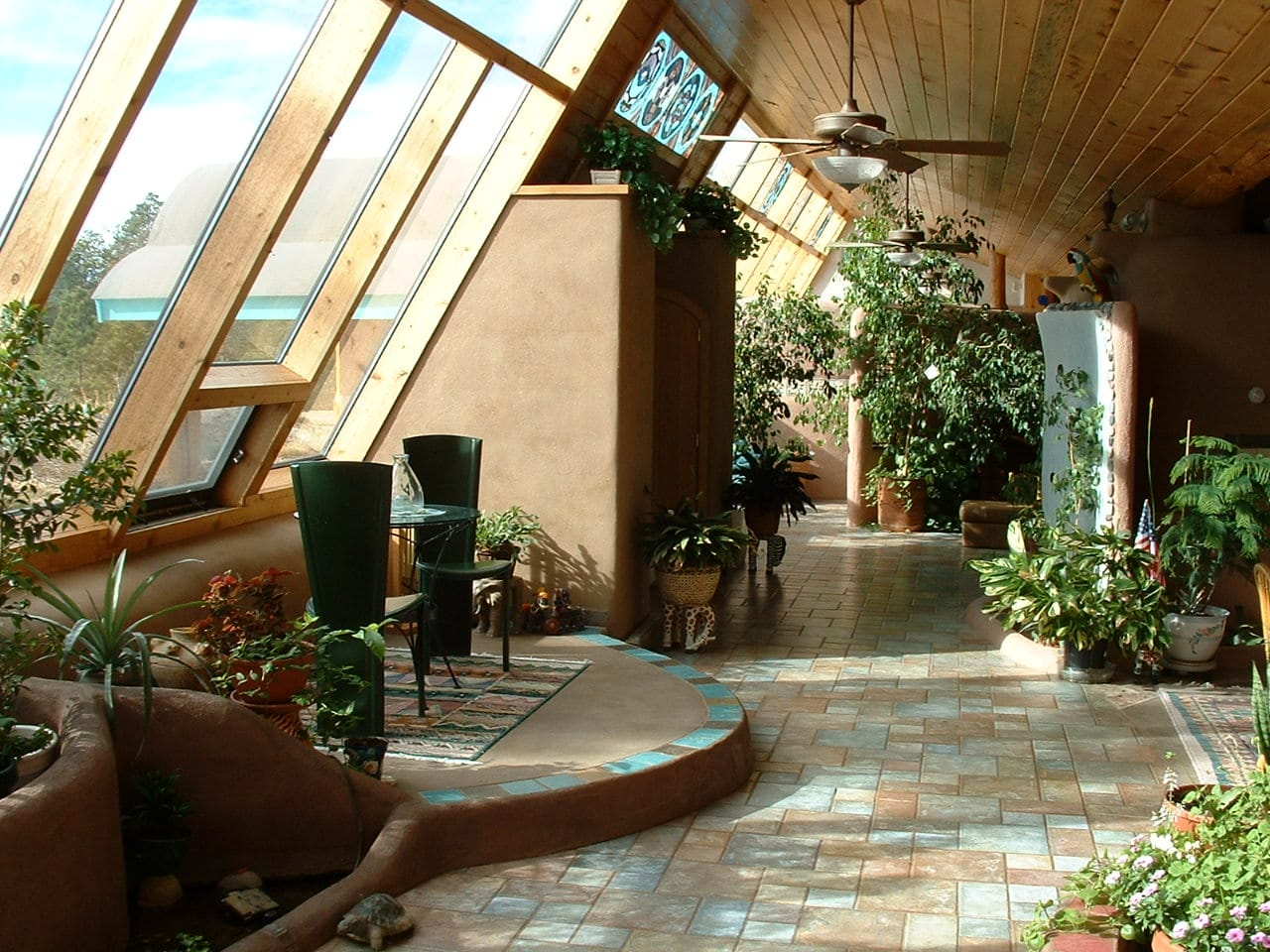 maison alternative pas chère earthship