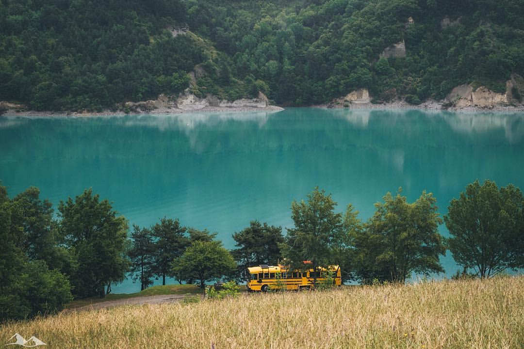 aménager un bus scolaire et voyager