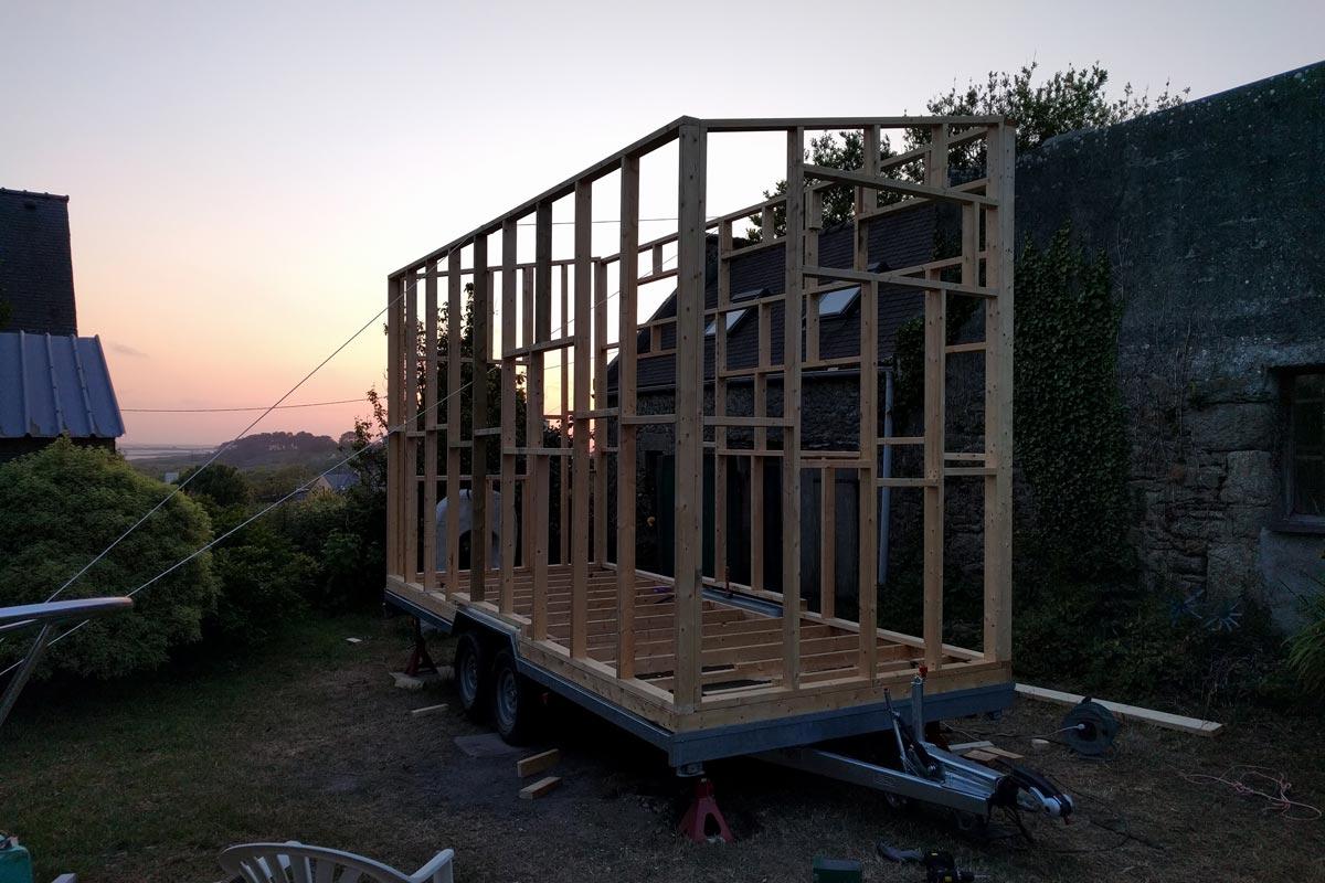 Best tiny house ossature bois with combien de temps pour for Combien pour construire une maison