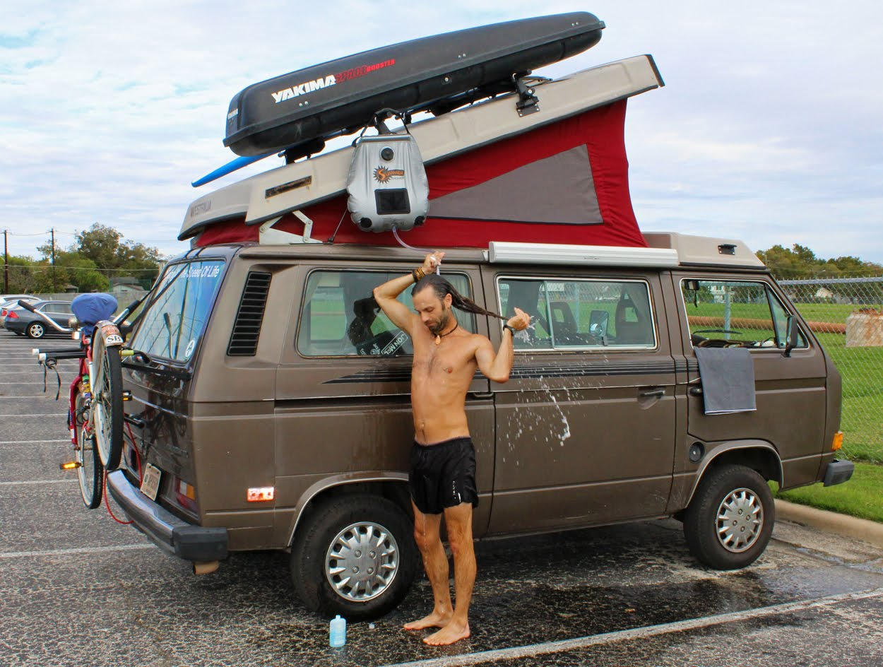 se laver en camion am nag ou en van 10 conseils pour rester propre. Black Bedroom Furniture Sets. Home Design Ideas