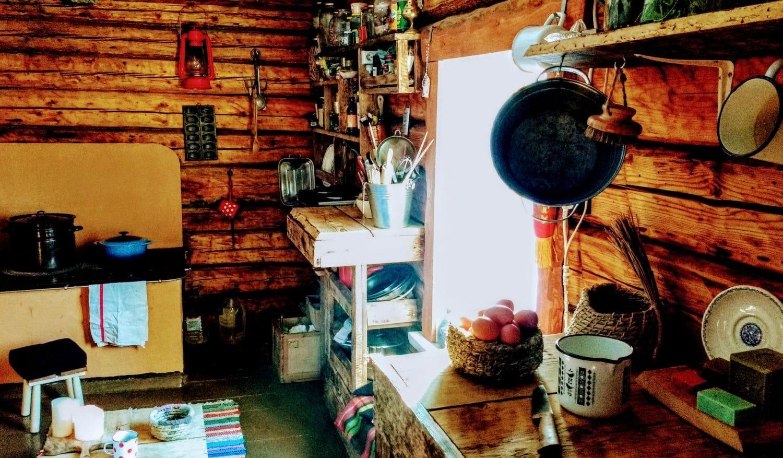 cuisine tout en bois vivre en autonomie