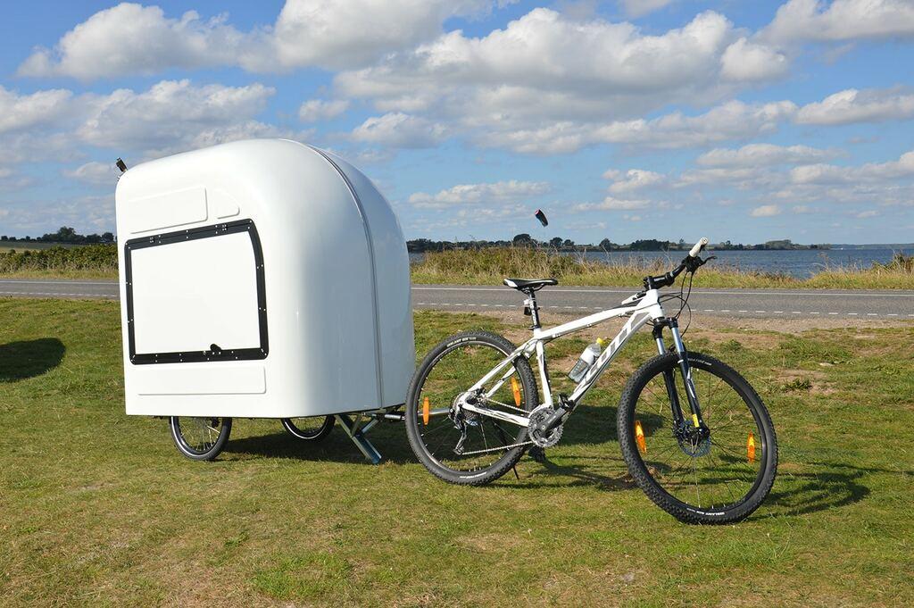caravane tractée par un vélo