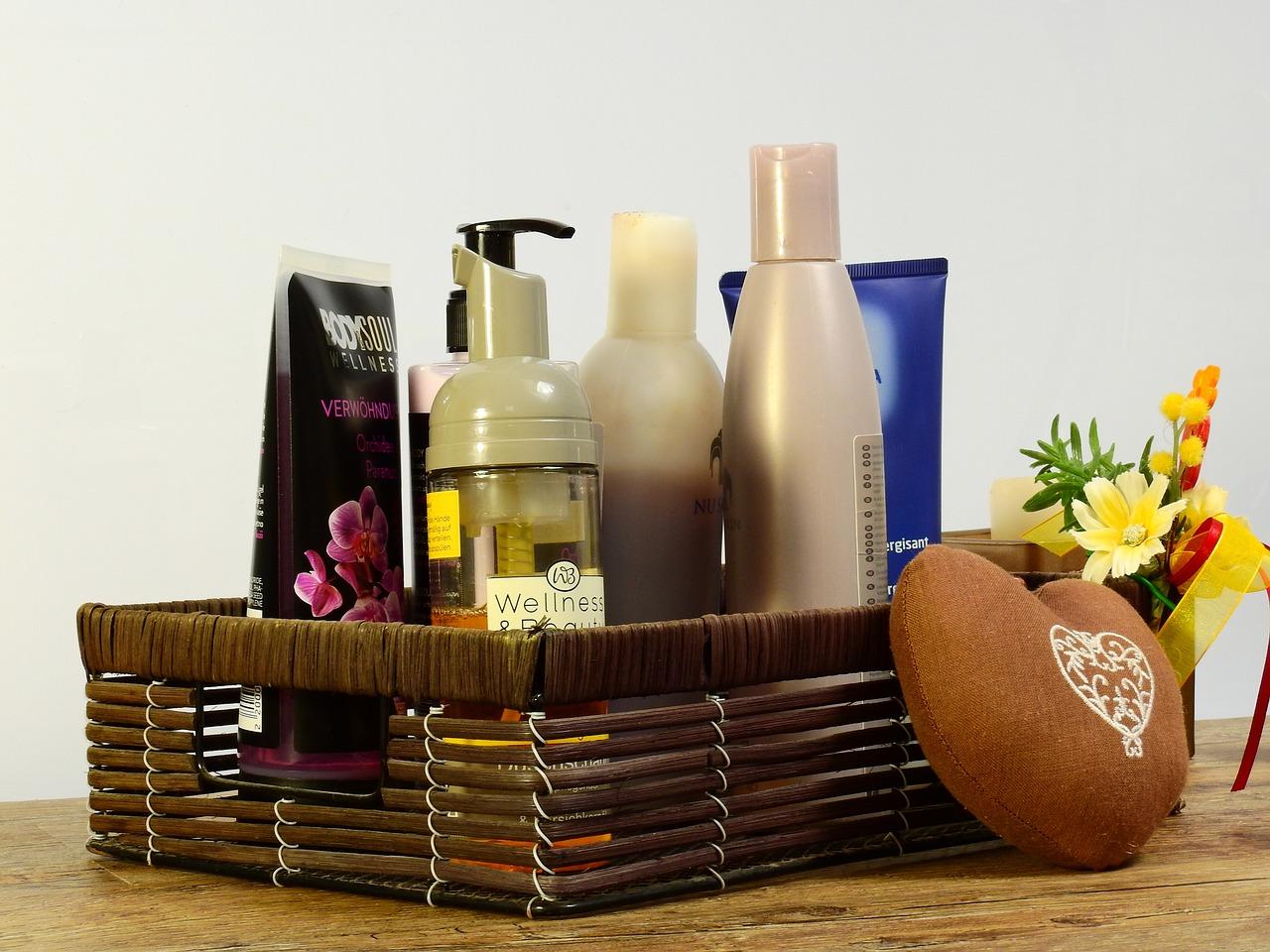 astuce zéro déchet dans la salle de bain : remplacer le shampoing