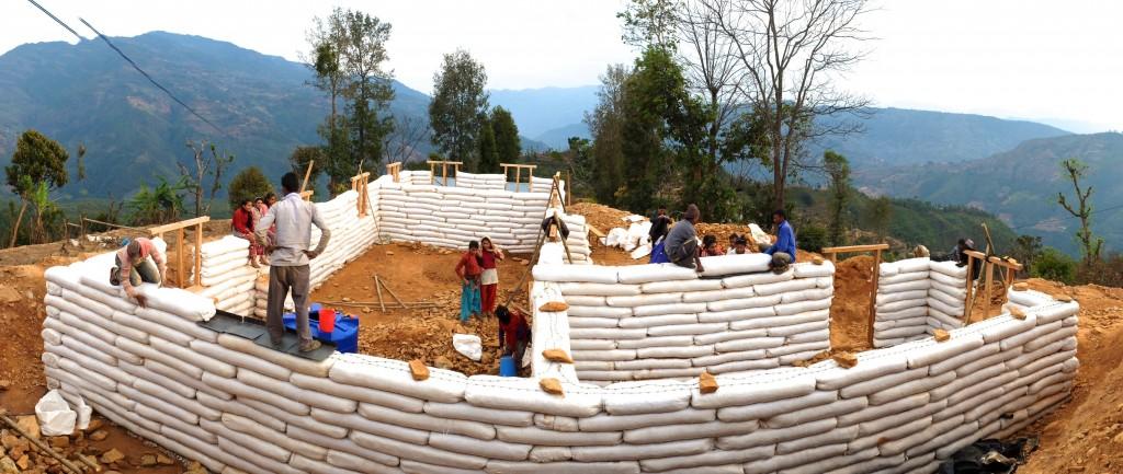 habitations alternatives sacs de terre
