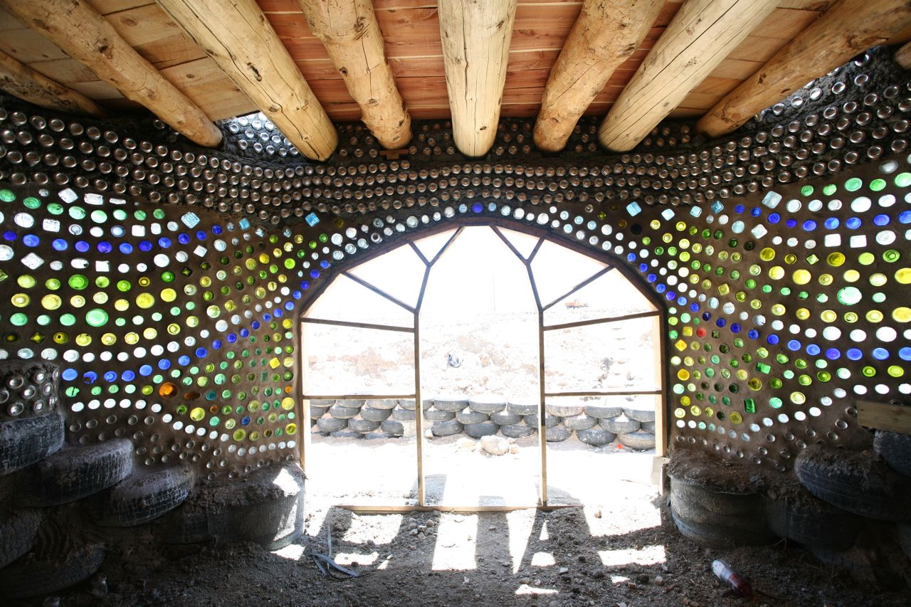 earthship recycle pneus
