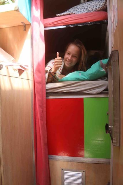 lit camion aménagé nomadisme en famille