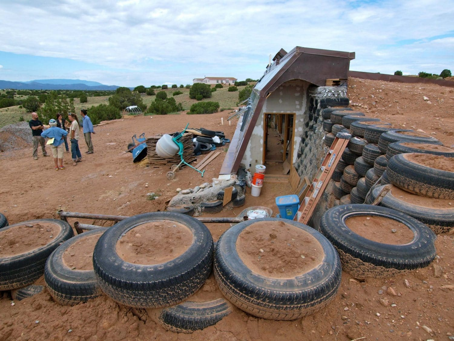 construction earthship