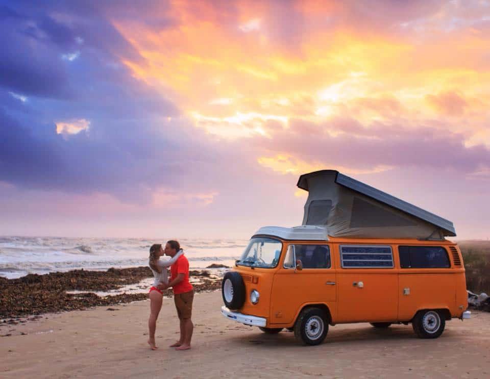 Vivre dans un van en couple : la vie alternative de Rachel et James
