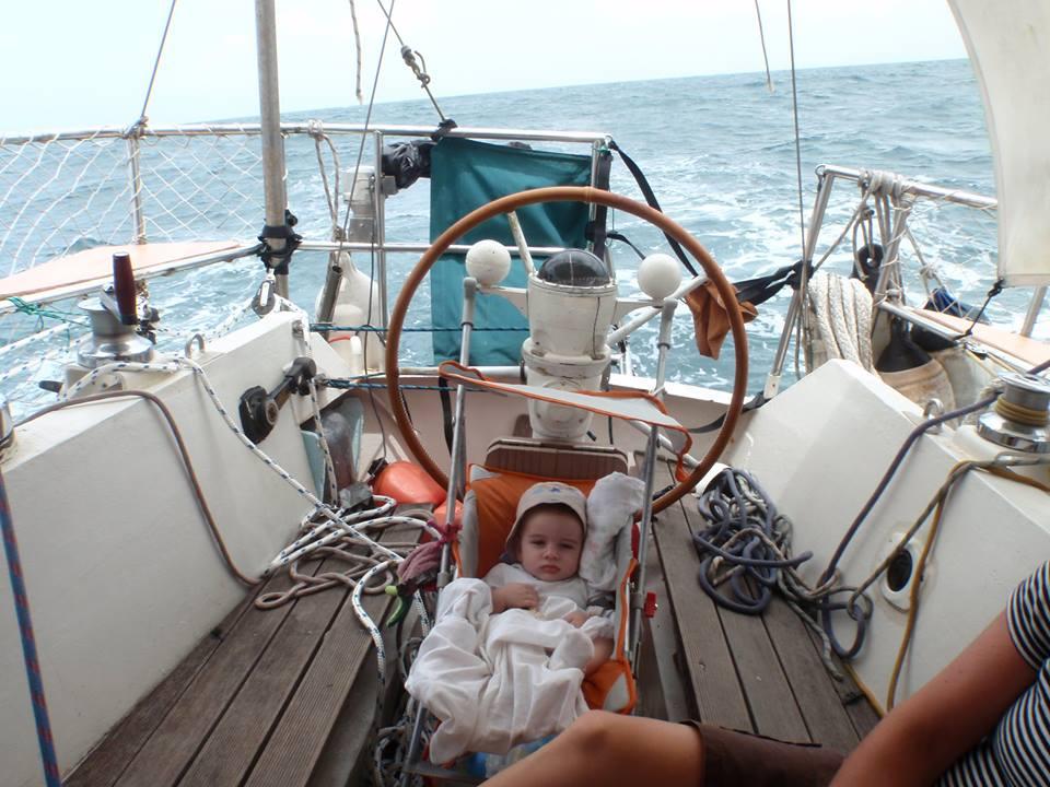 Bébé et voilier ? Vie alternative avec deux jeunes enfants