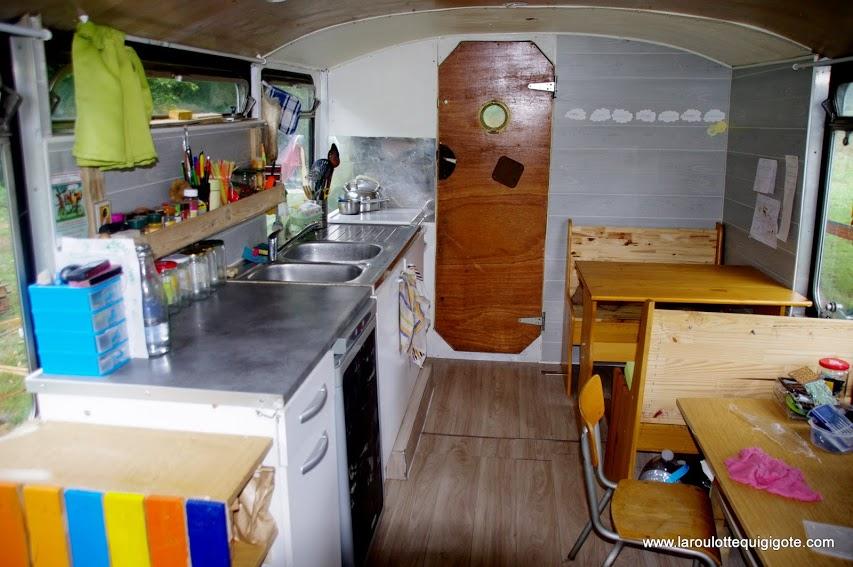 intérieur bus vivre en bus en famille