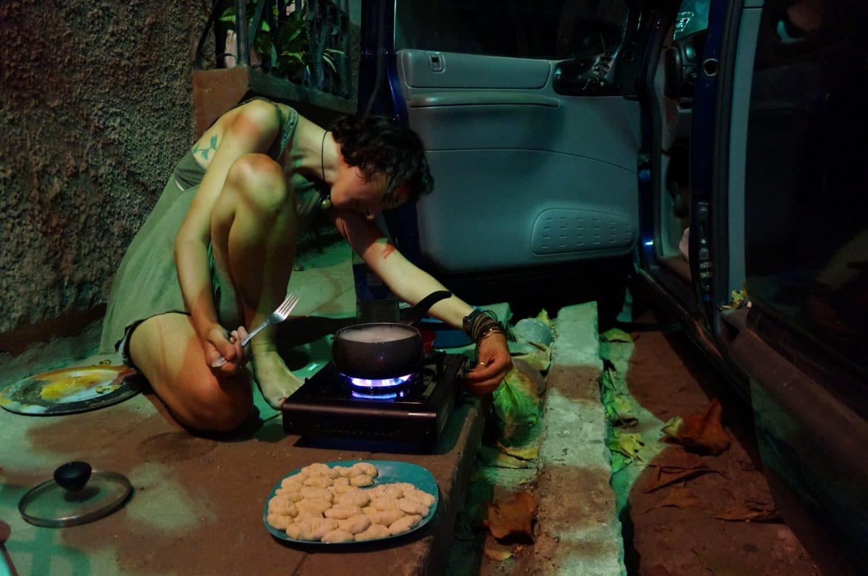 vivre en van seule cuisine gaz