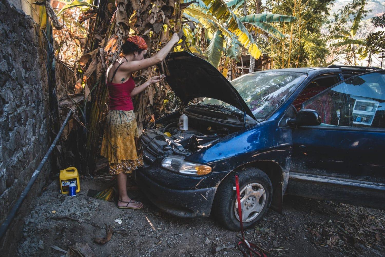 vivre en van seule réparations moteur