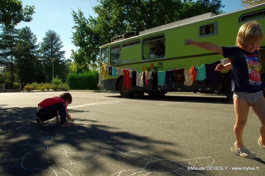 préparer des enfants à une vie nomade
