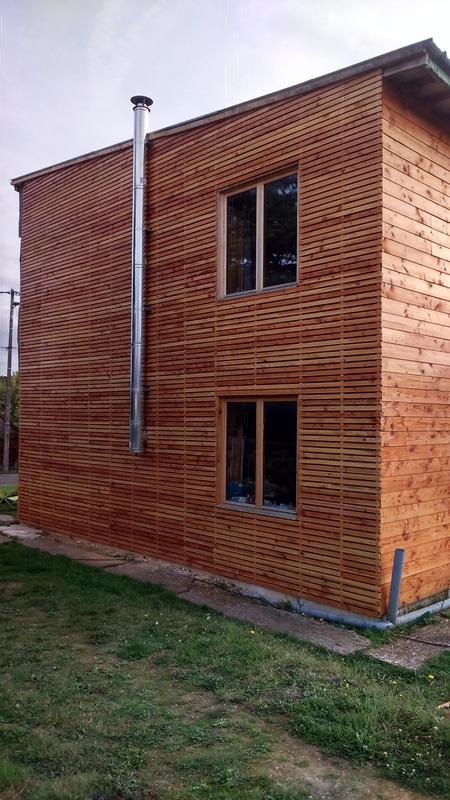 maison en paille bardage bois