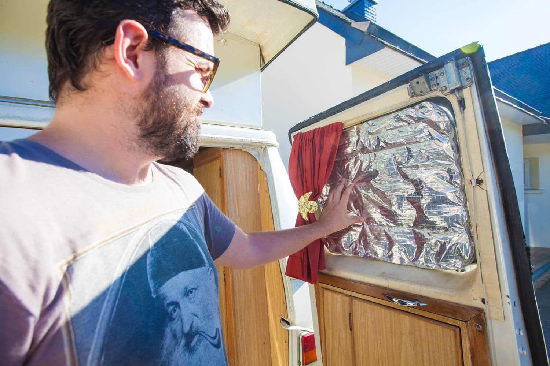 fabriquer des rideaux isolants van camion aménagé