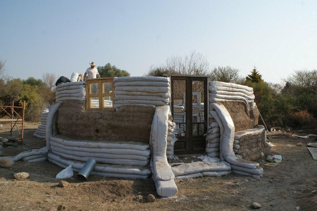 superadobe construction